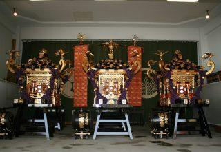 古くから「三社様」として親しまれ、毎年5月に行われる「三社祭」でも有名。