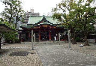 淀屋橋駅から徒歩5分。アクセス便利な立地に佇む閑静な境内で晴れの日を。