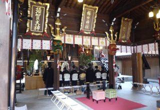 本殿での挙式は、最大30名の収容が可能。家族や友人に見守られて厳かな神前結婚式を。