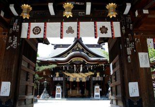 代表的な祭り「博多祗園山笠」のフィナーレを飾る追い山のスタート地点としても知られる。