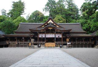 崇神天皇が卯の日に大神祭を始めたことから、卯の日は神縁の日として祭りが行われている。