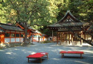 吉田山の豊かな緑に囲まれた静かな境内で、ふたりと家族の想い出に残る大人の和婚式を。